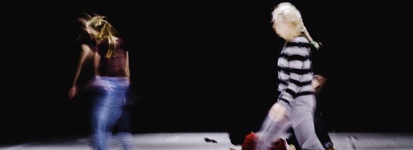 "Performance ""M.E.L.T. – Motion, Emotion and Lateral Thinking"" von Valentina De Piante @ ImPulsTanz"