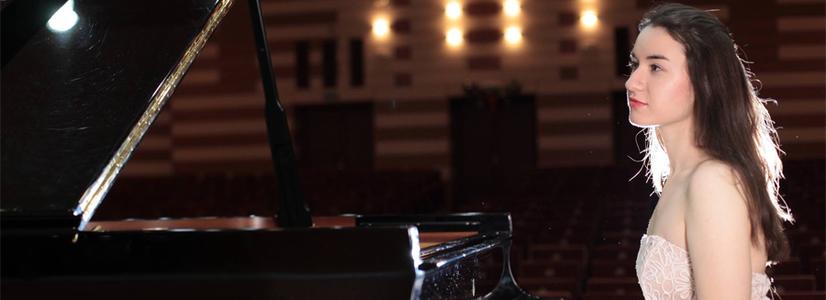 Klavierabend mit Adela Liculescu im Salvador-Saal Wien