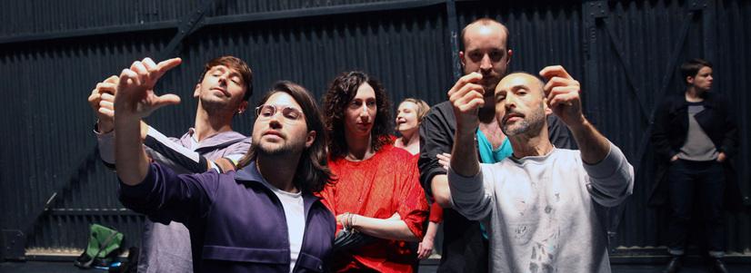 "Performance-ul ""Delicate Instruments of Engagement"" de Alexandra Pirici la Viena"