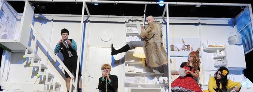 """Spectacolul """"Avarul / Der Geizige"""" prezentat de Teatrul Schauspielhaus din Viena la Festivalul Internaţional de Teatru de la Sibiu"""