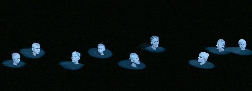 """""""Rinocerii"""" de Eugène Ionesco, în regia lui Robert Wilson - Premieră de răsunet la Teatrul Naţional """"Marin Sorescu"""" din Craiova"""